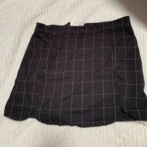 Brandy Melville skirt never worn